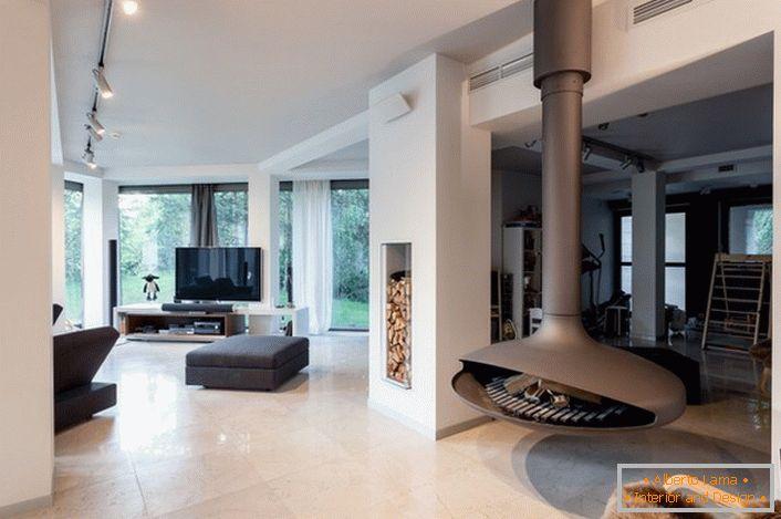 Пространа куќа