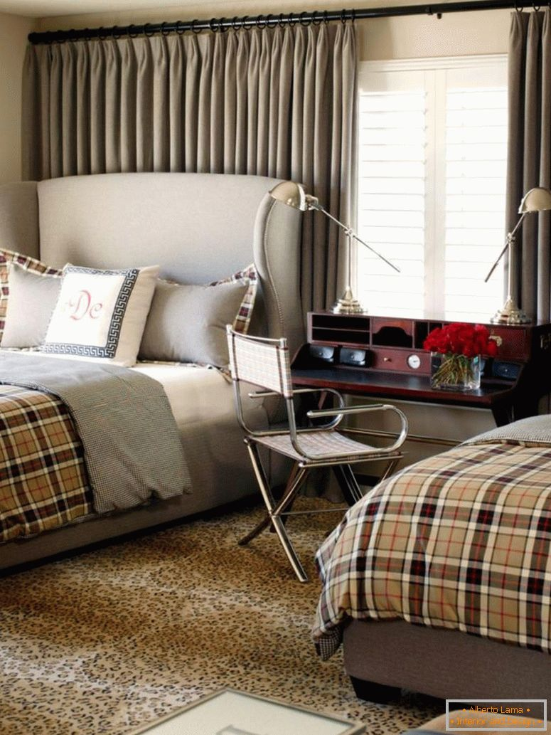 original_tobi-fairley-neutral-traditional-bedroom-two-beds_s3x4-jpg-rend-hgtvcom-966-1288